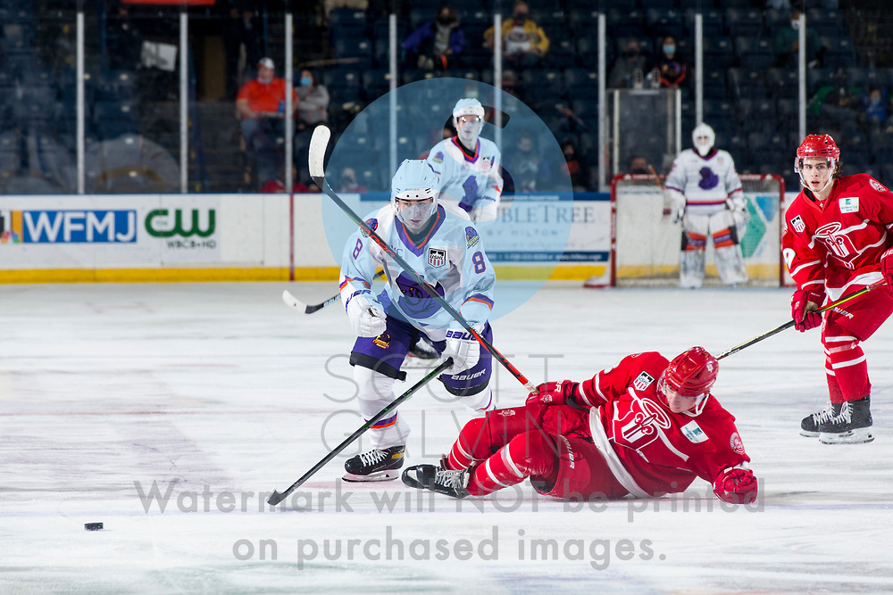 The Youngstown Phantoms defeat the Dubuque Fighting Saints 4-1 at the Covelli Centre on January 9, 2021.<br /> <br /> Jack Silich, forward, 8