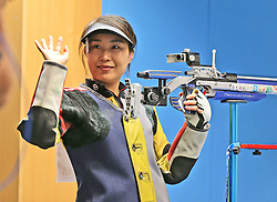 05.09.2015, Olympia Schiessanlage Hochbrueck, Muenchen, GER, ISSF World Cup 2015, Gewehr, Pistole, Damen, 10 Meter Luftgewehr, im Bild Binbin Zhang (CHN) lachend, winkend // during the women's 10M air rifle competition of the 2015 ISSF World Cup at the Olympia Schiessanlage Hochbrueck in Muenchen, Germany on 2015/09/05. EXPA Pictures © 2015, PhotoCredit: EXPA/ Eibner-Pressefoto/ Wuest<br /> <br /> *****ATTENTION - OUT of GER*****