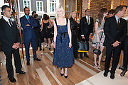 KIRSTEN DUNST, Louis Vuitton openingof New Bond Street Maison. London. 25 May 2010. -DO NOT ARCHIVE-© Copyright Photograph by Dafydd Jones. 248 Clapham Rd. London SW9 0PZ. Tel 0207 820 0771. www.dafjones.com.