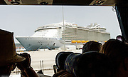 Royal Caribbean, Harmony of the Seas, view of the boat from the port