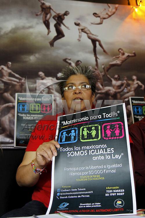 """TOLUCA, México.- Israfil Filos Real, dirigente de la comunidad Lésbico, Gay, Bisexual, Transgénero, Transexual, Travesti e Intersexual (LGBTTTI) acompañado por Angélica Téllez Rojas, presidenta del Consejo de la Diversidad Sexual del Estado de México (CODISEM) anunciaron que se presentara una iniciativa """"Matrimonio para Todos""""  en donde se pide que se reconozca y proteja las uniones conyugales entre personas del mismo sexo, y buscan  obtener el respaldo de 50 mil firmas que serán entregadas al gobernador del Estado de México, Eruviel Ávila Villegas. Agencia MVT / Crisanta Espinosa. (DIGITAL)"""