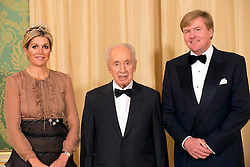 Queen Maxima, King Willem-Alexander of the Netherlands and President of Israel Shimon Peres pose for the media before the state banquet at the Noordeinde palace in The Hague, Netherlands, october 1, 2013. Photo by Robin Utrecht/Pool/ABACAPRESS.COM