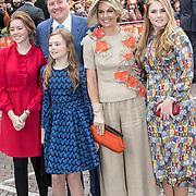 NLD/Amersfoort/20190427 - Koningsdag Amersfoort 2019, Konngin Maxima en Koning Willem Alexander met dochters  Amalia, Alexia, en Ariane