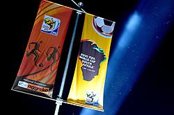 19.06.2010, Loftus Versfeld Stadium, Pretoria, RSA, FIFA WM 2010, Cameroon (CMR) vs Denmark (DEN), im Bild Fahnen im Design der FIFA WM 2010, Falgs with design of the FIFA WM 2010.EXPA Pictures © 2010, PhotoCredit: EXPA/ InsideFoto/ Giorgio Perottino +++ for AUT and SLO only +++ / SPORTIDA PHOTO AGENCY
