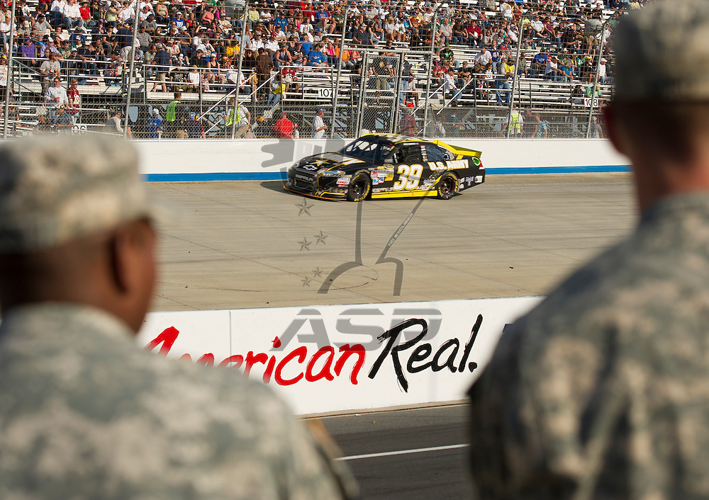 Dover, DE - SEP 30, 2012:  The NASCAR Sprint Cup Series Teams take to the track for the AAA 400 at Dover International Speedway in Dover, DE.