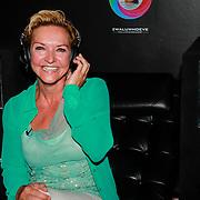 NLD/Hierden/20130610 - Lancering van de Mindspa in de Zwaluwhoeve, Mariska van Kolck in de mindspa stoel