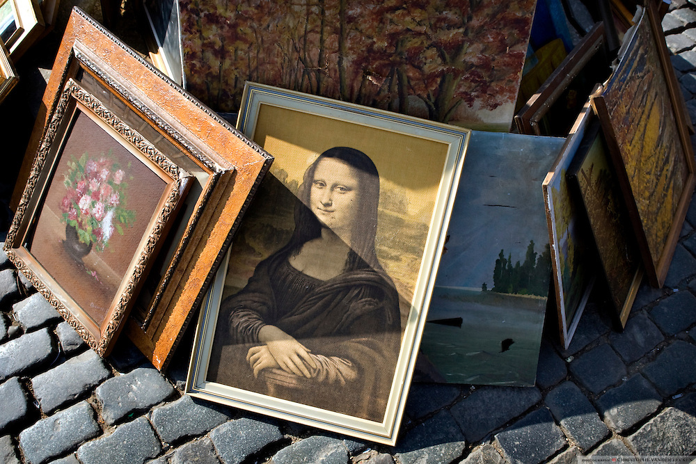Brussels, Belgium, Mar 18, 2006, Mona Lisa replica for sale at the Brussels' market. PHOTO © Christophe VANDER EECKEN