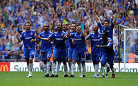 Fotball<br /> England<br /> Foto: Fotosports/Digitalsport<br /> NORWAY ONLY<br /> <br /> Chelsea Team Celebrate after Winning Penalty Shoot Out 2009/10<br /> Chelsea V Manchester United (2-2) 09/08/09<br /> Chelsea on Penalties (4-1) AET<br /> The FA Community Shield 2009 Wembley Stadium