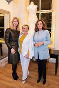 Opening te zijn van Addy van den Krommenacker's nieuwe onderkomen. Per februari vestigt hij zich in Villa Maasdonk in Nuland en maakt een doorstart na zijn faillissement.<br /> <br /> Op de foto:  Mona Keijzer , Mariska van Kolck en Liz Snoijink