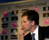 Photo: Jed Wee.<br />Newcastle United Press Conference. 16/05/2006.<br />Newcastle unveil Glenn Roeder as their full time manager.