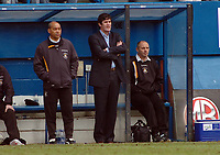 Photo: Kevin Poolman.<br />Luton Town v Blackburn Rovers. The FA Cup. 27/01/2007. Luton boss Mike Newell (middle).