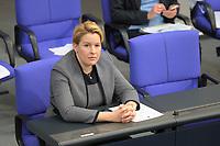 DEU, Deutschland, Germany, Berlin, 29.10.2020: Bundesfamilienministerin Dr. Franziska Giffey (SPD) bei der Regierungserklärung der Bundeskanzlerin zur Bewältigung der COVID-19 Pandemie.