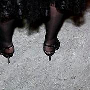 NLD/Zaandam/20081207 - Premiere Op Hoop van Zegen, kapotte schoenen Willeke Alberti