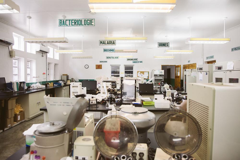 INDIVIDUAL(S) PHOTOGRAPHED: N/A. LOCATION: Sacré-Cœur Hospital, Milot Commune, Cap-Haïtien, Haïti. CAPTION: A view of the laboratory at the Sacré-Cœur Hospital in Milot.