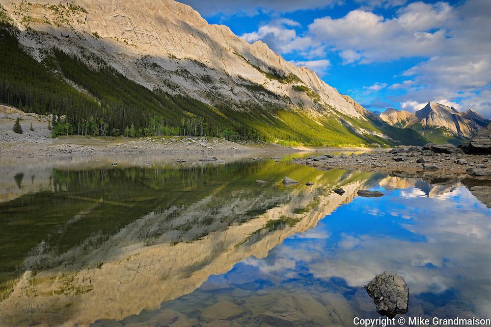 Colin Range and Medicine Lake<br /> Jasper National Park<br /> Alberta<br /> Canada