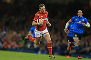 Dan Biggar of Wales runs in to score his teams 2nd try.  RBS Six Nations championship 2016, Wales v Italy at the Principality Stadium in Cardiff, South Wales on Saturday 19th March 2016. pic by  Andrew Orchard, Andrew Orchard sports photography.