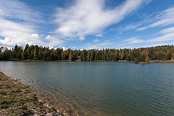 Scenic view of a lake, Felixer Weiher (Tretsee), South Tyrol, Italy