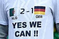 Fotball<br /> Tyskland v Algerie<br /> 30.06.2014<br /> VM 2014<br /> Foto: Witters/Digitalsport<br /> NORWAY ONLY<br /> <br /> T-Shirt Fan Algerien, Yes we can !<br /> Fussball, FIFA WM 2014 in Brasilien, Achtelfinale, Deutschland - Algerien