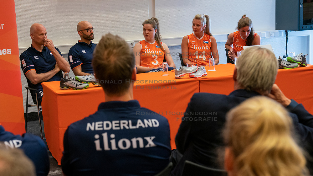 14-05-2019 NED: Press moment national volleyball team Women, Arnhem<br /> Jamie Morrison, the national coach of the Dutch women team, gives an overview of the group matches of the VNL, the OKT, Worldcup and the European Championship played in Hungary / (L-R) Ass coach Marko Klok of Netherlands, Coach Jamie Morrison of Netherlands, Yvon Beliën #3 of Netherlands, Laura Dijkema #14 of Netherlands, Myrthe Schoot #9 of Netherlands