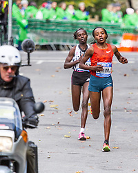 NYC Marathon, Sumgong and Keitany battle in Central Park mile 24