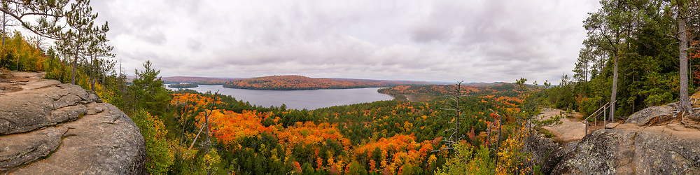 https://Duncan.co/fall-color-at-rock-lake