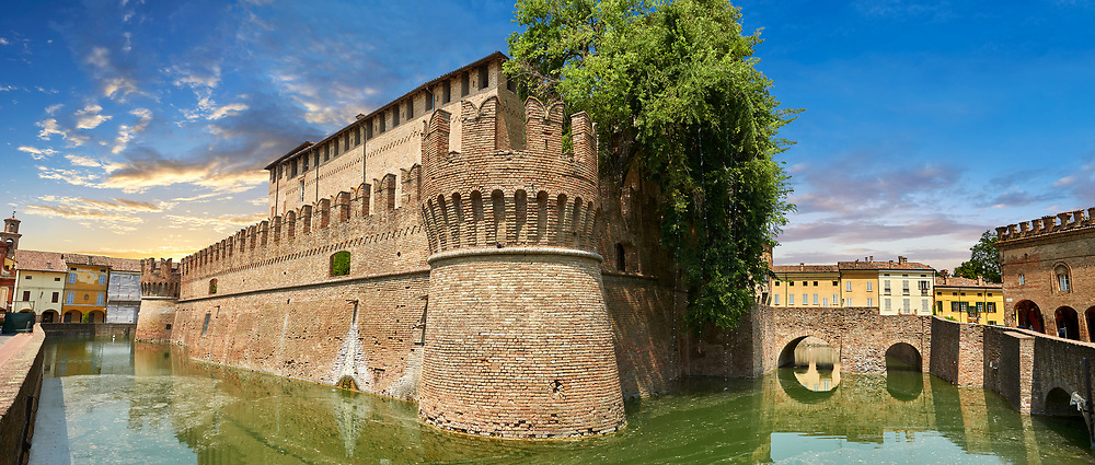 Picture & image of the exterior of the late medieval (13th century) moated urban castle reisdence of Rocca Sanvitale ( Sanvitale Castle ),  Fontanellato, Italy .<br /> <br /> Visit our ITALY PHOTO COLLECTION for more   photos of Italy to download or buy as prints https://funkystock.photoshelter.com/gallery-collection/2b-Pictures-Images-of-Italy-Photos-of-Italian-Historic-Landmark-Sites/C0000qxA2zGFjd_k .<br /> If you prefer to buy from our ALAMY PHOTO LIBRARY  Collection visit : https://www.alamy.com/portfolio/paul-williams-funkystock/rocca-sanvitale.html .<br /> <br /> Visit our ITALY HISTORIC PLACES PHOTO COLLECTION for more   photos of Italy to download or buy as prints https://funkystock.photoshelter.com/gallery-collection/2b-Pictures-Images-of-Italy-Photos-of-Italian-Historic-Landmark-Sites/C0000qxA2zGFjd_k<br /> .<br /> <br /> Visit our MEDIEVAL PHOTO COLLECTIONS for more   photos  to download or buy as prints https://funkystock.photoshelter.com/gallery-collection/Medieval-Middle-Ages-Historic-Places-Arcaeological-Sites-Pictures-Images-of/C0000B5ZA54_WD0s