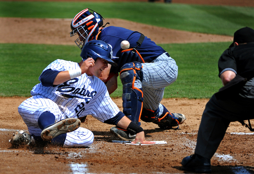 4/10/10 12:29:55 PM --- BASEBALL SPORTS SHOOTER ACADEMY 007 --- Baseball at Cal State Fullerton. Photo by Jeff Boyce, Sports Shooter Academy