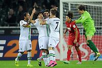 Fotball<br /> Tyskland<br /> 23.09.2015<br /> Foto: Witters/Digitalsport<br /> NORWAY ONLY<br /> <br /> 4:0 Jubel v.l. Raffael, Torschuetze Mahmoud Dahoud, Lars Stindl, Patrick Herrmann (Gladbach), Jeong-Ho Hong, Torwart Marwin Hitz (Augsburg)<br /> Fussball Bundesliga, Borussia Mönchengladbach - FC Augsburg