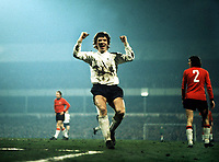 Fotball<br /> England <br /> Foto: Colorsport/Digitalsport<br /> NORWAY ONLY<br /> <br /> Kevin Hector (Derby County) celebrates scoring the winning goal. Derby County v Trnava. European Cup 1/4 Final 21/3/73.