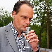 NLD/Apeldoorn/20100608 - H.K.H. Prinses Maxima opent ' De St@art ', Vincent Bijlo