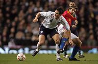 Photo: Paul Thomas.<br /> England v Spain. International Friendly. 07/02/2007.<br /> <br /> Frank Lampard (L) of England tries to get away from David Albelda.