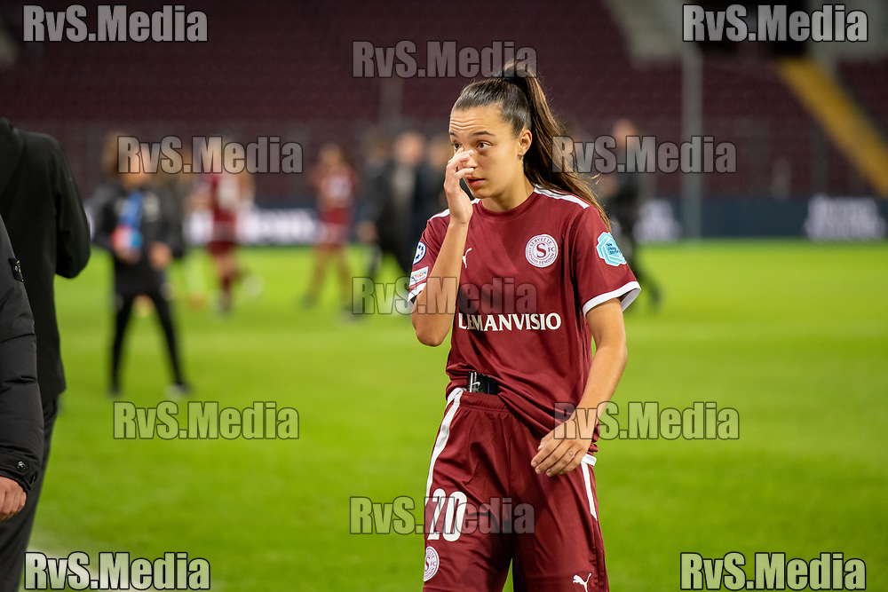 GENEVA, SWITZERLAND - OCTOBER 06: Natalia Padilla-Bidas #20 of Servette FC Chenois feminin looks dejected after the UEFA Women's Champions League group A match between Servette FCCF and Juventus at Stade de Geneve on October 6, 2021 in Geneva, Switzerland. (Photo by Basile Barbey/RvS.Media)