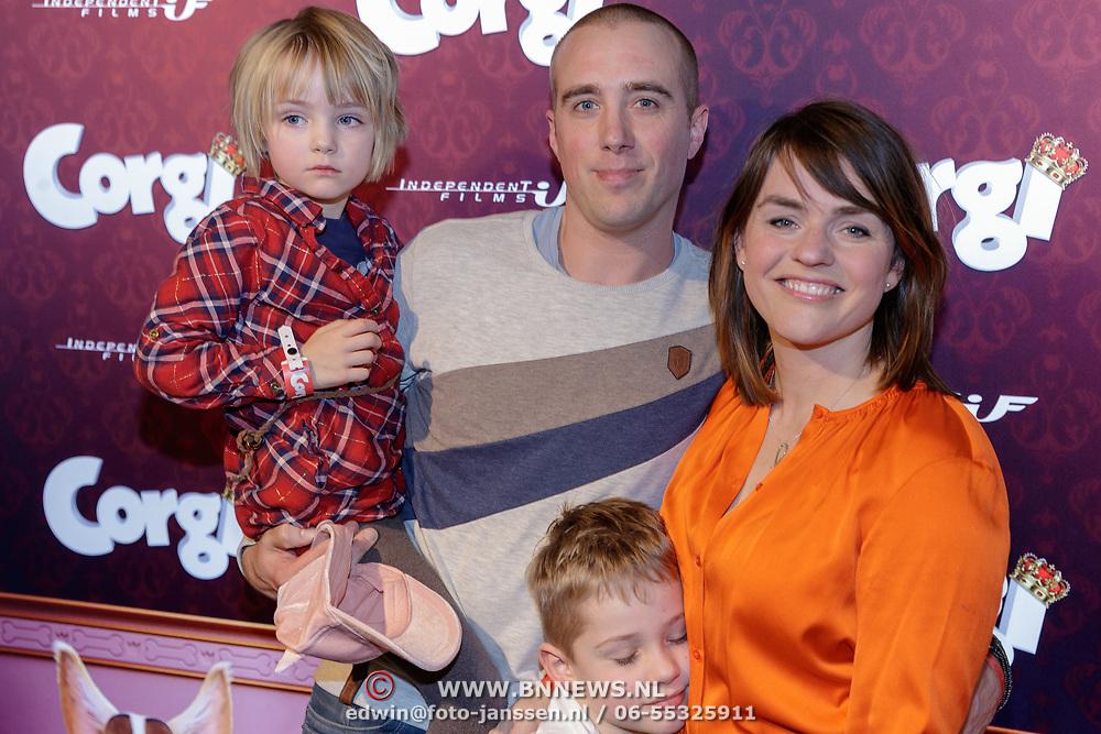 NLD/Amsterdam/20190210- première Corgi, Sophie van den Enk met haar kinderen Magnus, Reinaen partner Andre van den Heuvel