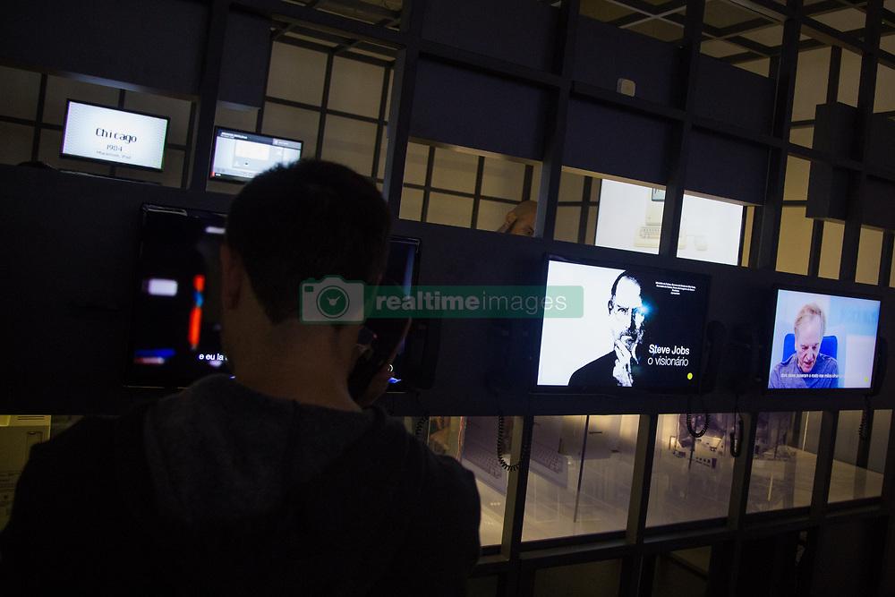 """June 17, 2017 - Movimentação do público durante a exposição """"Steve Jobs, o visionário"""" no MIS (Museu da Imagem e do Som de São Paulo) em São Paulo (SP) neste sábado  (Credit Image: © Jales Valquer/Fotoarena via ZUMA Press)"""