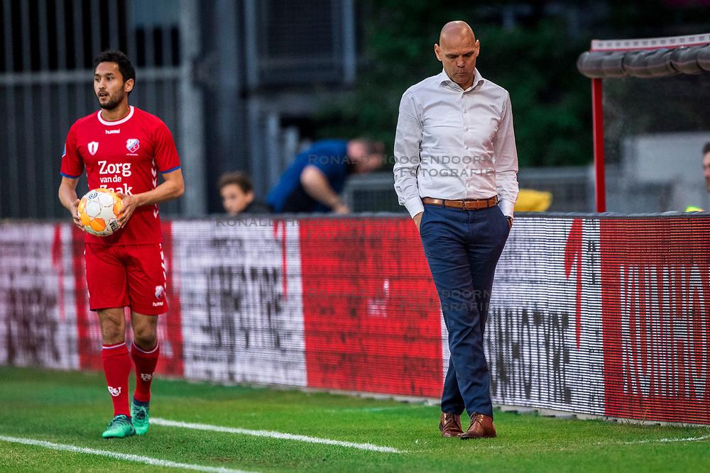 12-05-2018 NED: FC Utrecht - Heerenveen, Utrecht<br /> FC Utrecht win second match play off with 2-1 against Heerenveen and goes to the final play off / (L-R) Mark van der Maarel #2 of FC Utrecht, Coach Jurgen Streppel