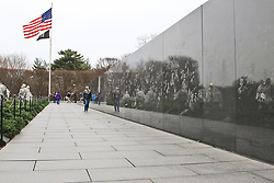 THEMENBILD - Zum Korean War Vetrans Memorial gehoert auch eine 50 Meter lange Wand aus schwarzem Granit. Reisebericht, aufgenommen am 12. Jannuar 2016 in Washington D.C. // For Korean War Veterans Memorial also includes a 50 meter long wall of black granite. Travelogue, Recorded January 12, 2016 in Washington DC. EXPA Pictures © 2016, PhotoCredit: EXPA/ Eibner-Pressefoto/ Hundt<br /> <br /> *****ATTENTION - OUT of GER*****