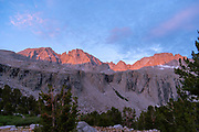 Sunrise above Vidette Meadow; John Muir Trail/Pacific Crest Trail; Sequoia Kings Canyon Wilderness; Kings Canyon National Park; Sierra Nevada Mountains, California, USA.