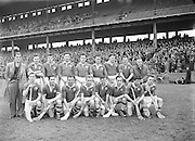 Neg No: 735/9958-9965...3041955IPHCF.03.04.1955...Interprovincial Railway Cup Hurling Championship - Final...Munster.06-08.Connacht.03-04...Connacht Team.