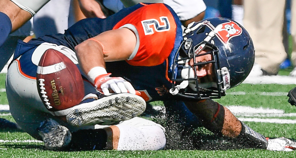 A football game in Costa Mesa, CA on 11/5/2016 at LaBard Stadium between Orange Coast College and Cal State Fullerton.<br /> <br /> Photos by Debbi Conon, Sports Shooter Academy