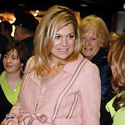 NLD/Utrecht/20070316 - Prinses maxima bezoekt de Nationale Marktdagen van Jong Ondernemen winkelcentrum Hoog Catharijne Utrecht