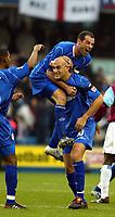 Fotball<br /> England 2004/2005<br /> Foto: SBI/Digitalsport<br /> NORWAY ONLY<br /> <br /> Millwall v West Ham United<br /> Coca Cola Championship. 21/11/2004.<br /> <br /> Daniel Dichio celebrates his strike with Kevin Muscat
