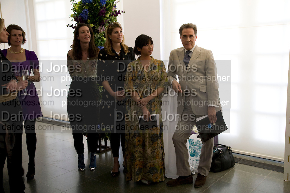MELANIE RICKEY, VIVIA FERRAGAMO, PETER YORK AND BEATRIX ONG , The London Magazine party to celebrate the New London Season and the TLM award for the Best-Dressed Man and Woman. Serpentine Gallery. 21 May 2008.  *** Local Caption *** -DO NOT ARCHIVE-© Copyright Photograph by Dafydd Jones. 248 Clapham Rd. London SW9 0PZ. Tel 0207 820 0771. www.dafjones.com.