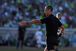 May 25, 2019 - Oeiras, Portugal - OEIRAS, PORTUGAL - MAY 25: Referee Jorge Sousa gestures during the Portugal Cup Final football match Sporting CP vs FC Porto at Jamor stadium, on May 25, 2019, in Oeiras, outskirts of Lisbon, Portugal. (Credit Image: © Pedro Fiuza/NurPhoto via ZUMA Press)