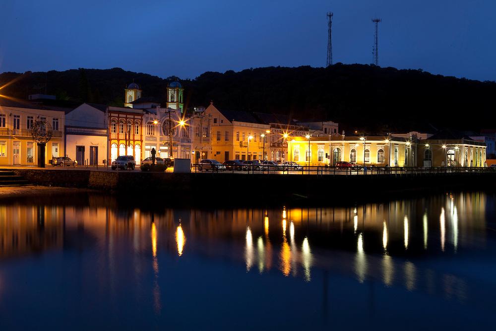 Sao Francisco do Sul_SC, Brasil...Fotos noturnas da cidade de Sao Francisco do Sul, Santa Catarina...Night scene of Sao Francisco do Sul, Santa Catarina...Foto: LUIZ FELIPE FERNANDES / NITRO