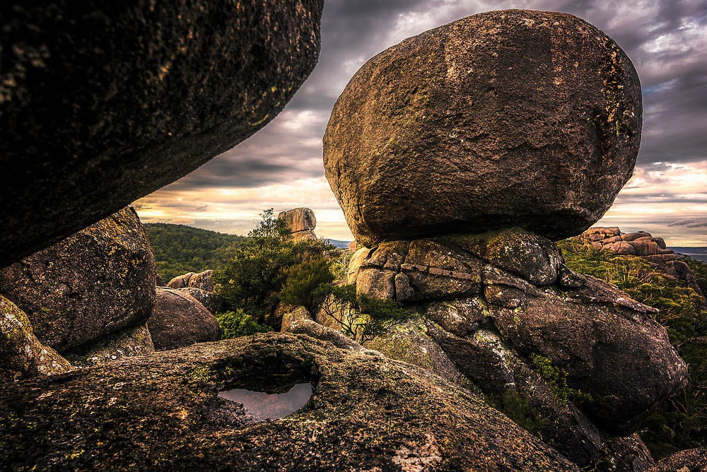 Granite boulders ar Cathedral Rock National Park, New South Wales