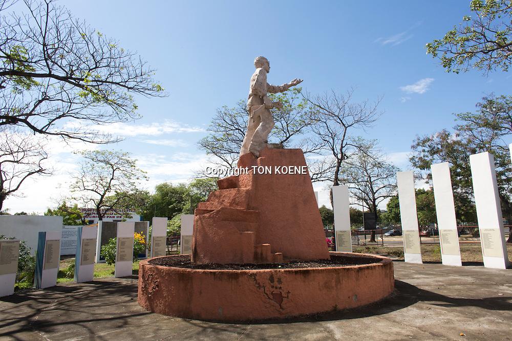 war monument in Managua