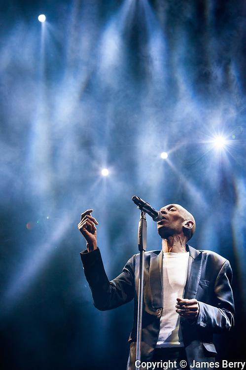 Faithless perform live at Alexandra Palace, London, on Saturday 21 November 2015. Picture shows Maxi Jazz.