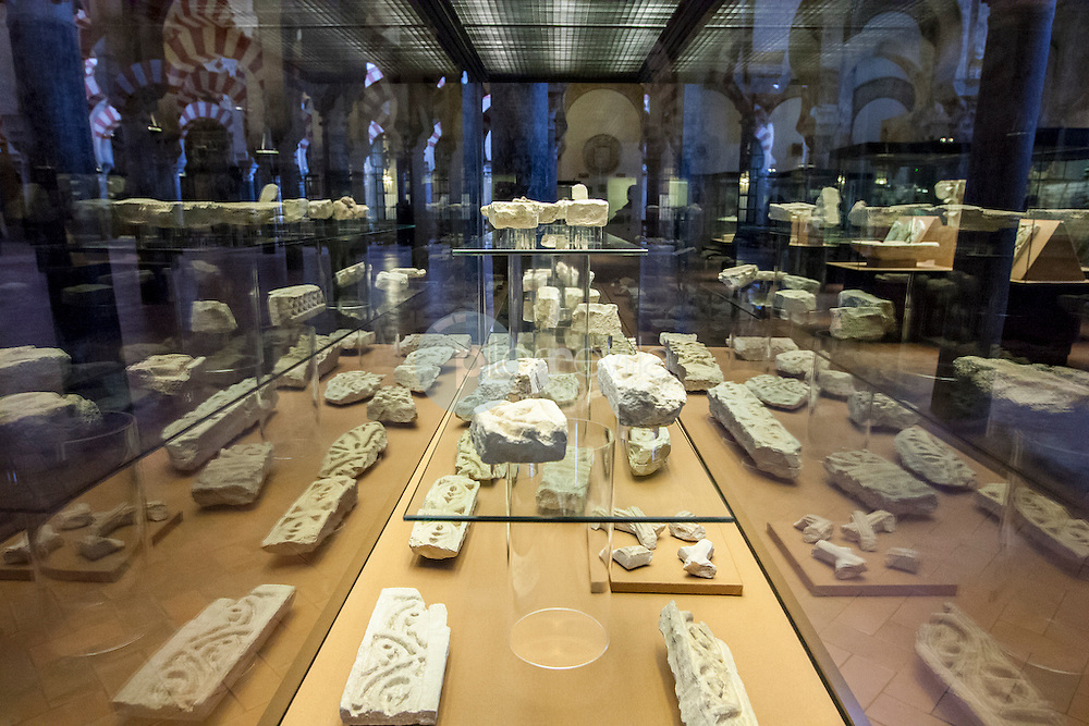 Restos arqueológicos en la Mezquita de Córdoba, Andalucía ©Country Sessions / PILAR REVILLA