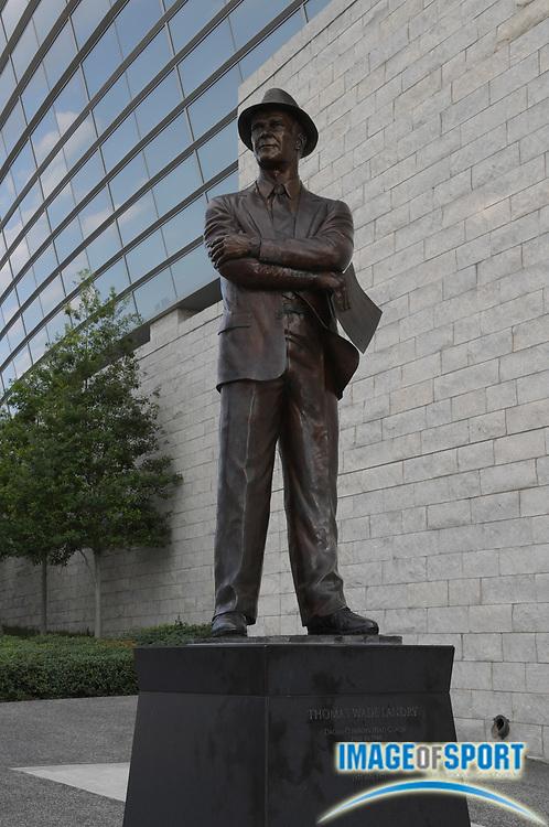 Sep 3, 2016; Arlington, TX, USA; General view of statue of Dallas Cowboys former coach Tom Landry at AT&T Stadium. Alabama defeated USC 52-6.