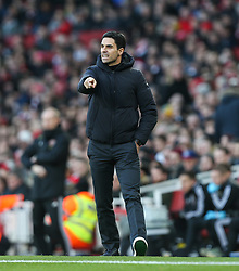 Arsenal manager Mikel Arteta getting animated - Mandatory by-line: Arron Gent/JMP - 18/01/2020 - FOOTBALL - Emirates Stadium - London, England - Arsenal v Sheffield United - Premier League